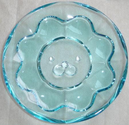 pondelion-glass-dish2.jpg